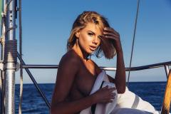 Charlotte-McKinney-for-The-Hundreds-Magazine-10