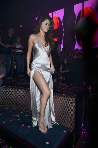 Selena-Gomez-Revival-Tour-After-Party-7