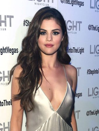Selena-Gomez--Revival-Tour-Kick-Off-After-Party--03-662x871