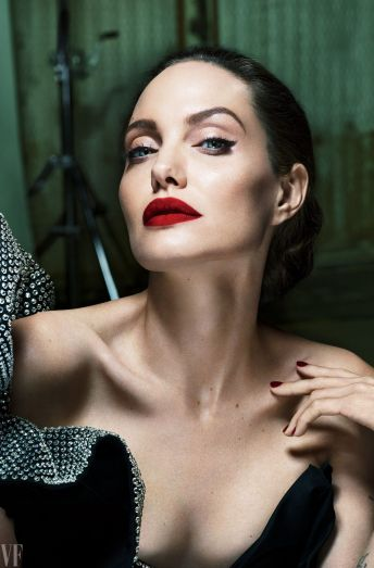 angelina-jolie-for-vanity-fair-magazine-september-2017_1