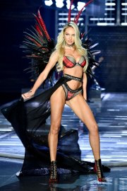 SHANGHAI, CHINA - NOVEMBER 20: Model Candice Swanepoel walks the runway during the 2017 Victoria's Secret Fashion Show In Shanghai at Mercedes-Benz Arena on November 20, 2017 in Shanghai, China. (Photo by Frazer Harrison/Getty Images for Victoria's Secret)