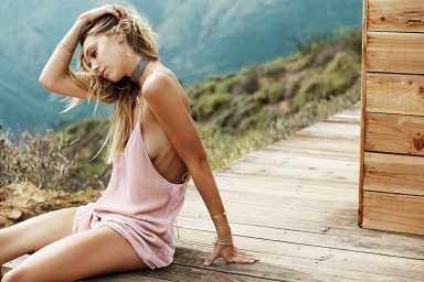 Alexis-Ren-by-Trevor-Hoehne-for-Lili-Claspe-12