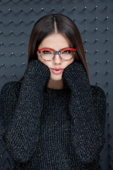 1. DARA с очила KWIAT от колекция 2019, модел KW EX 9137 D